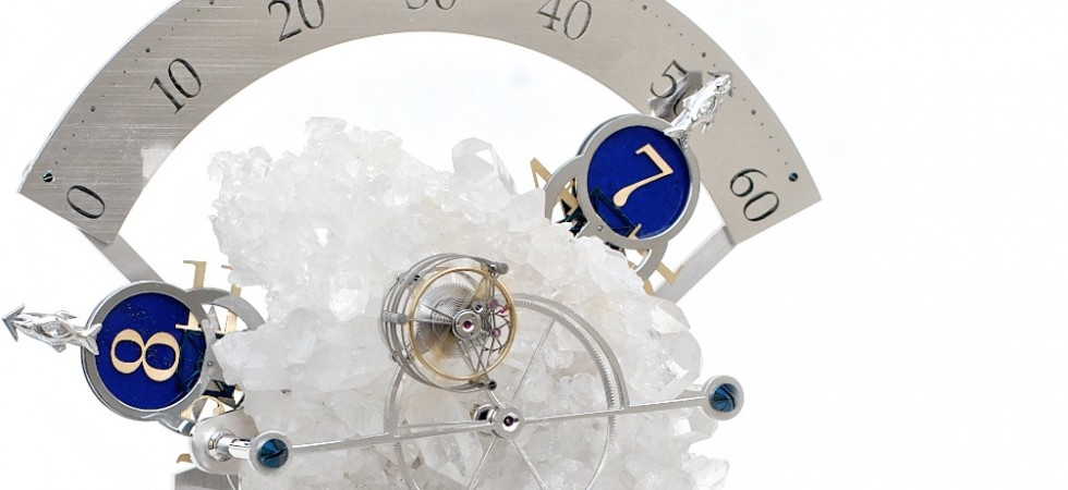 Table clock with sectorial time indication and tourbillon