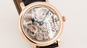 Wristwatch with skeletonized movement